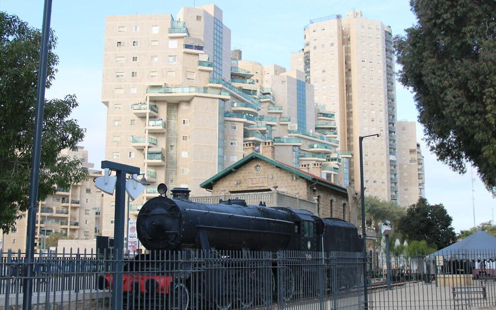 L'ancienne gare turque est maintenant le centre de la Vieille Ville de Beer Sheva. (Shmuel Bar-Am)