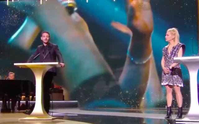 Vincent Dedienne et Marina Foïs lors de la cérémonie des César 2021, le 13 mars 2021. (Crédit : capture d'écran Canal+)