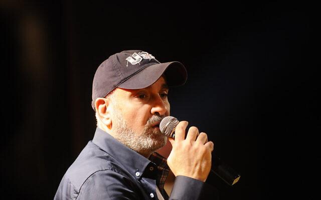 Le chanteur israélien Ofer Levi (Crédit Yossi Zeliger/Flash90)