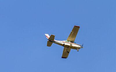 Illustration: un petit avion dans le ciel à Frederick, MD, États-Unis, le 13 octobre 2020. (iStock / Getty Images)