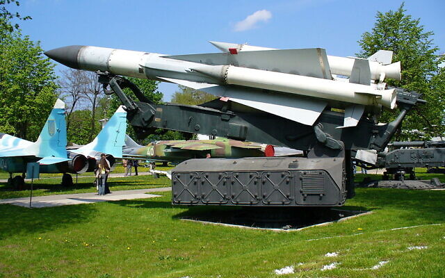 Un missile d'interception SA-5 exposé au musée des forces aériennes ukrainiennes. (George Chernilevsky/Wikimedia/CC BY-SA 3.0)