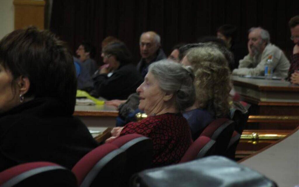 La dramaturge yiddish Chava Rosenfarb. (Crédit : National Yiddish Theatre Folksbiene)