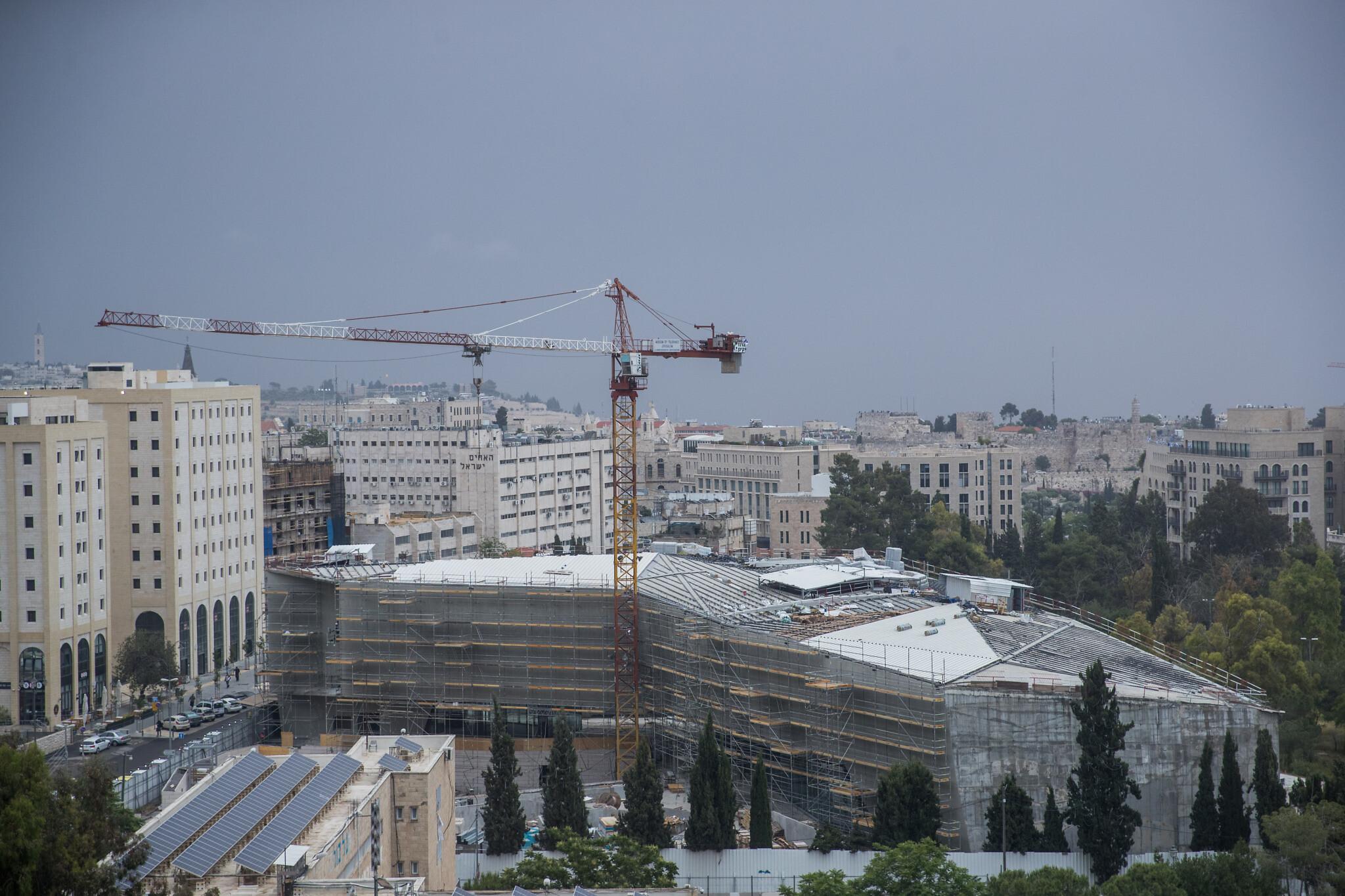 Vue du chantier de construction du Musée de la Tolérance à Jérusalem, le 7 mai 2018. (Yonatan Sindel/Flash90)