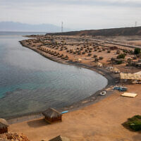 Une plage dans la péninsule du Sinaï, en Égypte, le 6 juin 2019. (Yossi Aloni/Flash90)