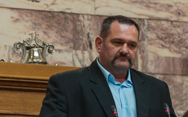 Ioannis Lagos, député grec, membre du parti néo-nazi Aube Dorée. (Crédit : Jébulon/Wikimedia)