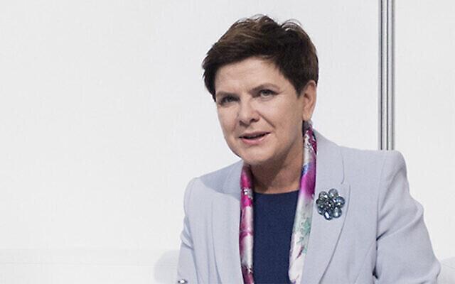 Beata Szydło, alors Premier ministre de Pologne, s'adresse à des journalistes à Varsovie, le 31 juillet 2016. (Crédit : Kancelaria Premiera via JTA)