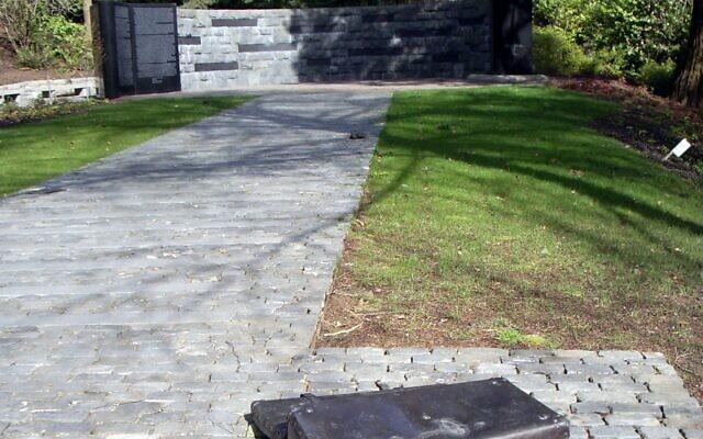Le mémorial de la Shoah à Portland, Oregon, 2006. (Wikimedia Commons via JTA)