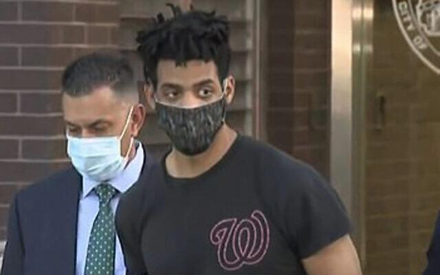 Jordan Burnette, le suspect d'une série d'attaques de synagogues dans le quartier de Riverdale, dans le Bronx, le 3 mai 2021. (Capture d'écran/WCBS-2)