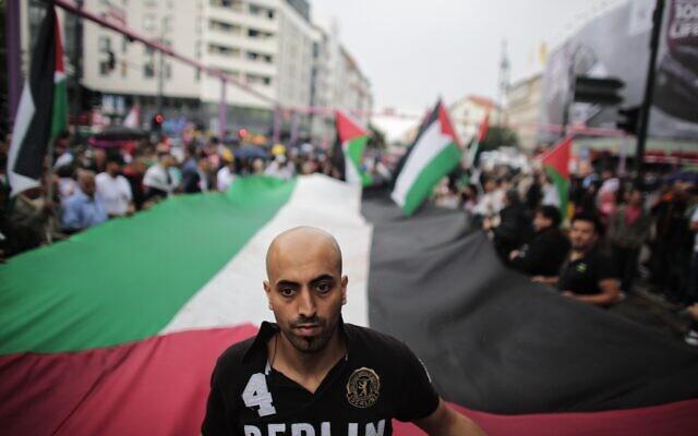 Manifestation pour la Journée d'Al-Quds à à Berlin, le 25 juillet 2014. (Crédit : AP Photo/Markus Schreiber)