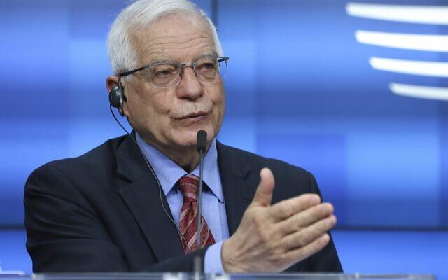 Le chef de la politique étrangère de l'Union européenne, Josep Borrell, s'exprime lors d'une conférence de presse à Bruxelles, le lundi 22 mars 2021. (Crédit : Aris Oikonomou, Pool via AP)
