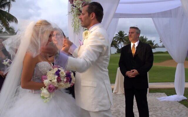 David et Leila Centner à leur mariage. (Crédit : JTA)