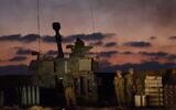 Une unité d'artillerie de Tsahal à la frontière Israël-Gaza, dans le sud d'Israël, le 13 mai 2021. (Gili Yaari / Flash90)
