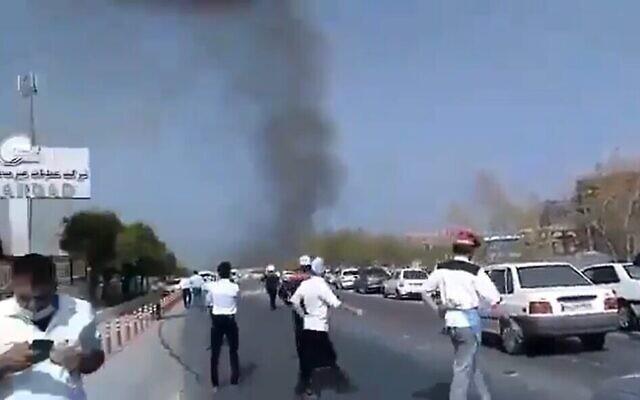 Les conséquences d'une explosion dans une installation pétrochimique de la ville d'Asaluyehin, dans la province de Bushehr, dans le sud de l'Iran, le 26 mai 2021 (Capture d'écran: Twitter)