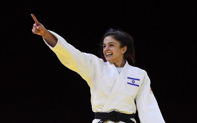 L'Israélienne Gefen Primo après son combat contre l'Ouzbèke Diyora Keldiyorova, lors du match pour la médaille de bronze dans la catégorie des moins de 52 kg lors des Championnats du monde de judo 2021 à la Papp Laszlo Arena de Budapest, en Hongrie, le 7 juin 2021. (Crédit : Attila KISBENEDEK / AFP)