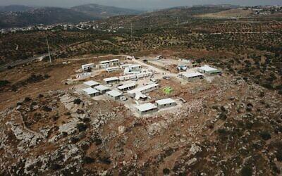 """L'avant-poste d'Evyatar, au nord de la Cisjordanie, le 25 mai 2021. (Crédit  : """"Evyatar - new town in Samaria"""" / Facebook)"""
