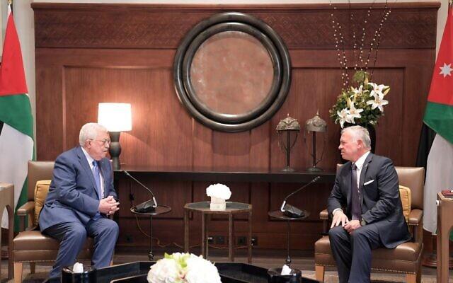 Le président de l'Autorité palestinienne Mahmoud Abbas rencontre le roi de Jordanie Abdallah II à Amman le 30 juin 2021. (Crédit :  WAFA)