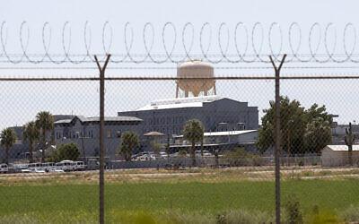 La prison d'État de Florence, en Arizona, qui abrite la chambre à gaz de l'État, le 23 juillet 2014. (Crédit : AP)