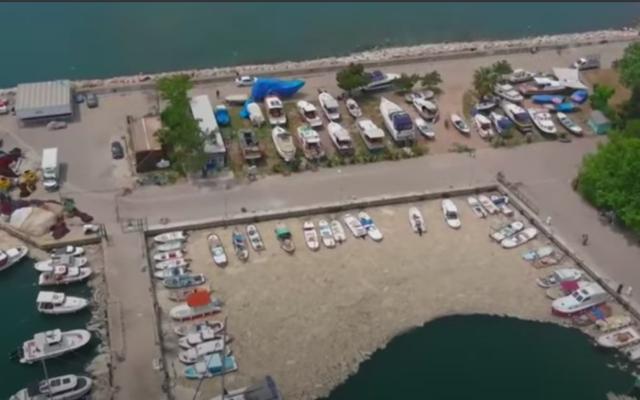 La Turquie est envahie par de la morve de mer (Crédit : capture d'écran YouTube)