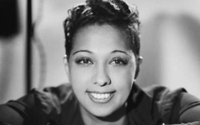 Joséphine Baker en 1940. (Crédit : Studio Harcourt / Domaine public)