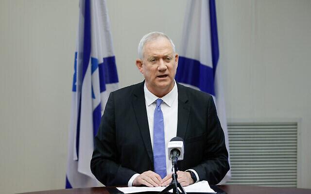 Le chef du parti Kakhol lavan Benny Gantz lors d'une réunion de faction à la Knesset, le 21 juin 2021. (Crédit : Olivier Fitoussi/FLASH90)