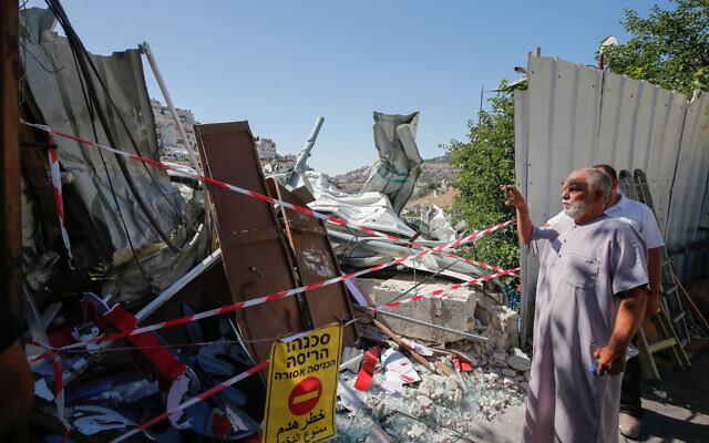 Un magasin qui a été démoli par les autorités israéliennes dans le quartier de Silwan à Jérusalem-Est, le 29 juin 2021. (Crédit : Jamal Awad/Flash90)