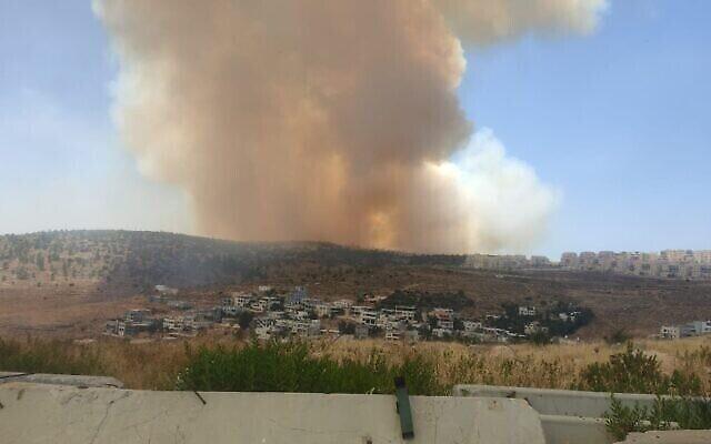 Un incendie près de la ville de Tzur Hadassah, près de Jérusalem, le 4 juin 2021. (Sapeurs-pompiers d'Israël)