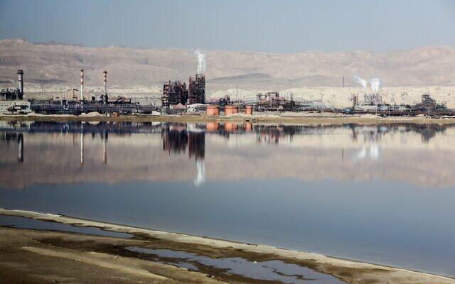 Une vue de Dead Sea Works Ltd.,  le 2 février 2018. (Crédit : Issac Harari/Flash90