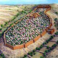 Une illustration de ce à quoi ressemblaient probablement les murs de protection entourant Jérusalem à l'époque du Premier Temple. (Leonardo Gurevitz, Archives de la Cité de David)