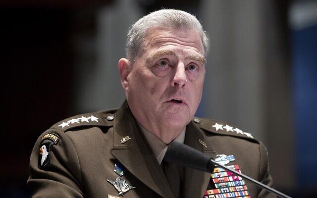 Le président des chefs d'état-major interarmées, le général Mark Milley, témoigne lors d'une audience de la commission des services armés de la Chambre des représentants, le jeudi 9 juillet 2020, au Capitole à Washington. (Crédit : Michael Reynolds/Pool via AP)