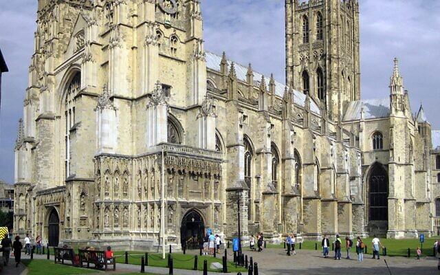 La cathédrale de Canterbury, l'église mère de l'Église d'Angleterre. (Crédit : Wikimedia Commons)