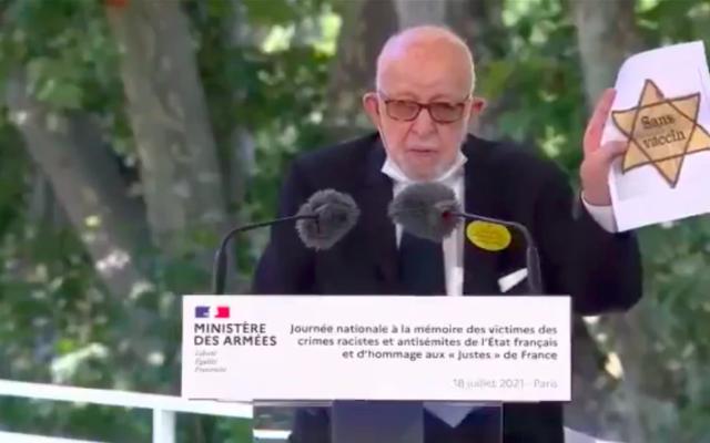 Joseph Szwarc lors de la cérémonie d'hommage aux victimes de la rafle du Vel d'Hiv, le 18 juillet 2021. (Crédit : capture d'écran Twitter)