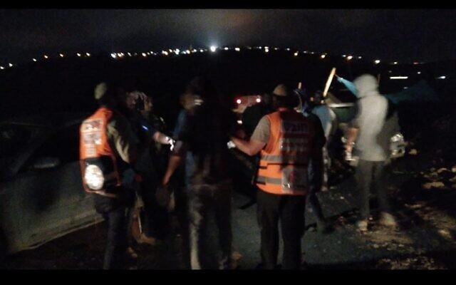 Des médecins soignent des blessés après un affrontement avec la police des frontières près de l'avant-poste de Kumi Ori en Cisjordanie, le 20 juillet 2021. (Autorisation)