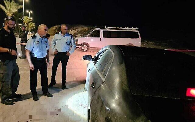 La scène où un homme a été abattu à Hura, le 16 juillet 2020 (Crédit : Police israélienne)