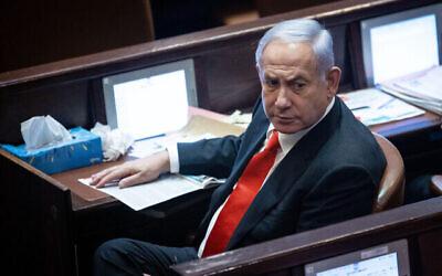 Le chef de l'opposition Benjamin Netanyahu à la Knesset le 6juillet 2021. (Crédit: Yonatan Sindel/Flash90)