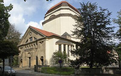 Extérieur de la synagogue Goerlitz, le 1er septembre 2006.(Crédit : CC BY-SA 3.0/ Hans Peter Schaefer/ GNU FDL)
