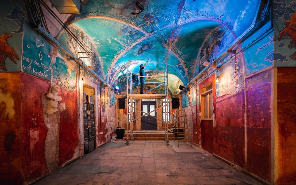 Intérieur du collectif d'art HaMiffal à Jérusalem. (Autorisation / Itamar Ginsburg)