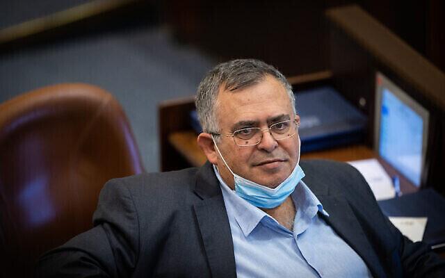 Le député David Bitan à la Knesset à Jérusalem, le 7 juillet 2021. (Crédit: Yonatan Sindel/Flash90)