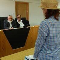 Illustration : Un tribunal rabbinique israélien examine un cas de conversion. (Crédit: Flash90)