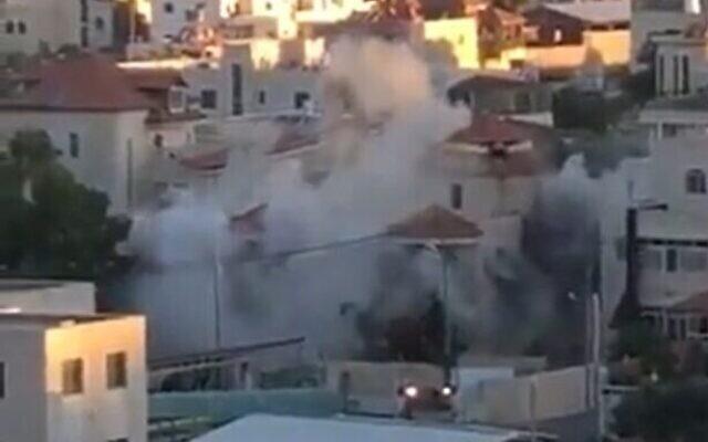 L'armée détruit le domicile de Cisjordanie de Muntasir Shalabi à Turmus Ayya, le 8 juillet 2021. (Capture d'écran/Kan)