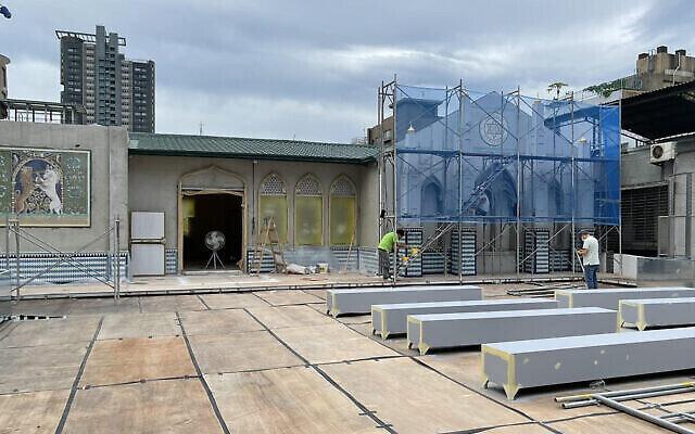 Le toit du nouveau centre communautaire juif de Taiwan, actuellement en construction. (Crédit: Glenn Leibowitz)