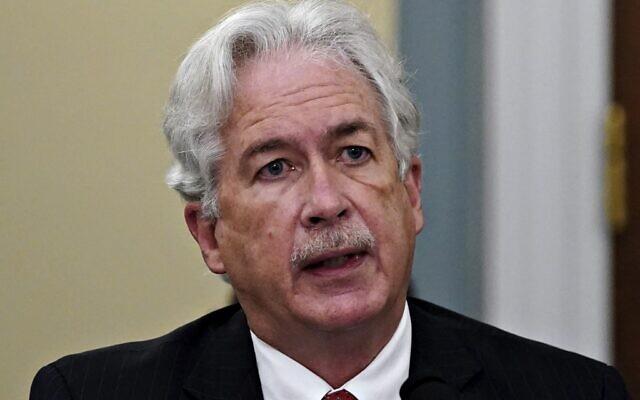 Dans cette photo d'archives prise le 15 avril 2021, le directeur de la CIA William Burns témoigne lors d'une audience du House Intelligence Committee sur les menaces mondiales, à Capitol Hill à Washington. (Crédit : Al Drago / POOL / AFP)