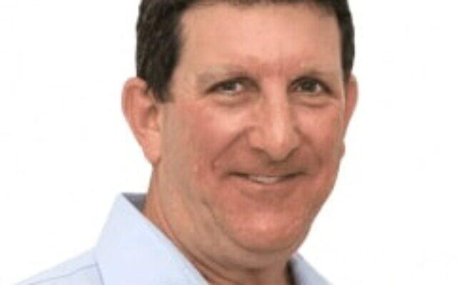 Michael Ben-Ari (Greenfield) recherché pour avoir dirigé une chaîne de Ponzi de 150 millions de dollars qui a escroqué plusieurs centaines d'investisseurs américains et israéliens (Crédit : courtesy EGFE)