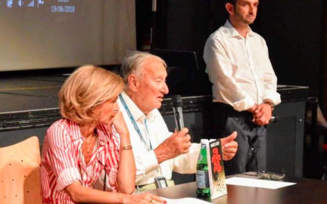 Maurice Joffo (au centre), à Sarcelles, en 2019. (Crédit : Patrick Haddad / Mairie de Sarcelles)