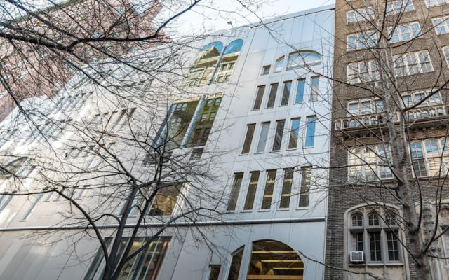 Illustration : le centre éducatif Morris et Ida Newman de l'école Ramaz à New York. (Crédit : Manhattan Sideways via JTA)