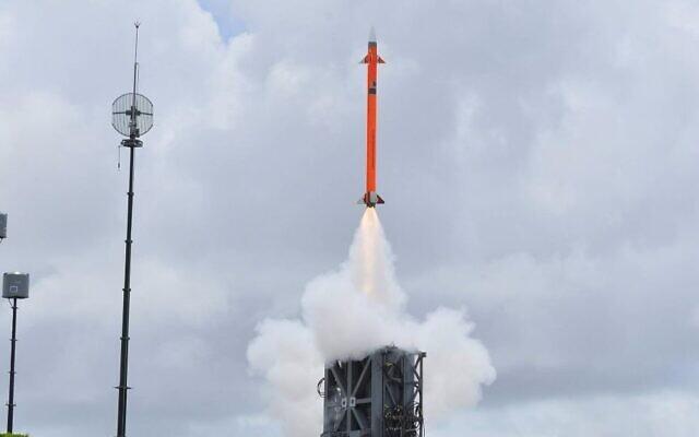 Illustration : Le missile MRSAM d'IAI lors d'un test en juin2016. (Crédit : courtoisie/Israel Aerospace Industries)