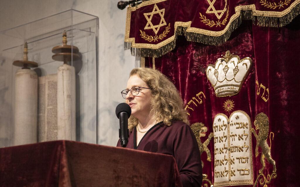 La rabbin Mary Zamore, directrice éxecutive du Réseau rabbinique des femmes. (Crédit : Steve Shawl via JTA)