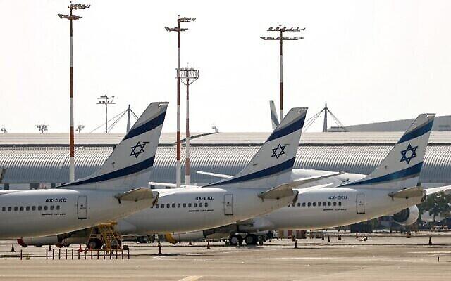 Des avions d'El Al sur le tarmac de l'aéroport Ben Gourion, le 3 août 2020. (Crédit : Jack Guez / AFP)