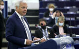 Le commissaire européen à la justice Didier Reynders prend la parole lors d'une session plénière au Parlement européen à Strasbourg, France, le 15 septembre 2021. (Crédit : Yves Herman, Pool via AP)