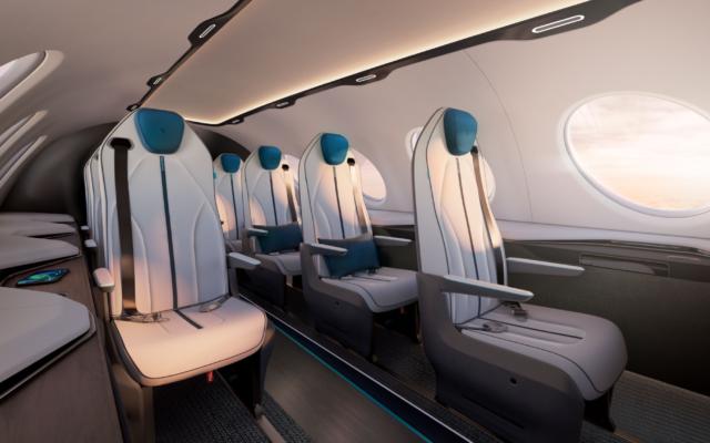 Une représentation de l'intérieur de l'avion 100% électrique Alice à Vannes, le 6 juin 2019. (Crédit :  © Jean-Marie Liot / eviation