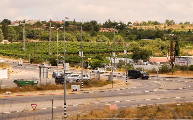 Le carrefour de Gush Etzion en Cisjordanie, le 9 juillet 2020. (Crédit :  Gershon Elinson/Flash90)